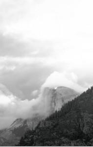 YosemiteHalfDomeinfog